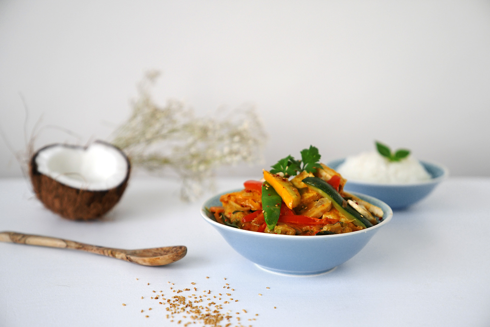 Rotes Kokos-Curry mit Tofu